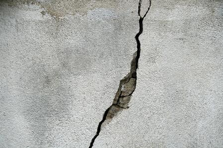 foundation-crack-condo.jpg